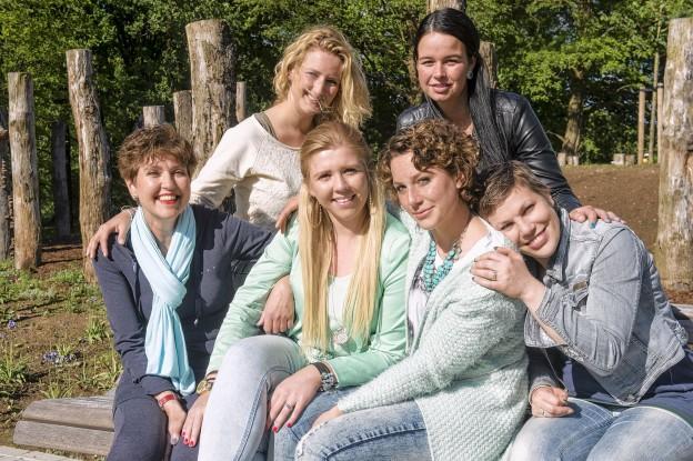 fien en vriendinnen foto van Rianne van Denderen